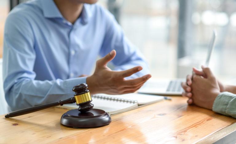 El usufructo o el derecho a disfrutar de lo ajeno por ley